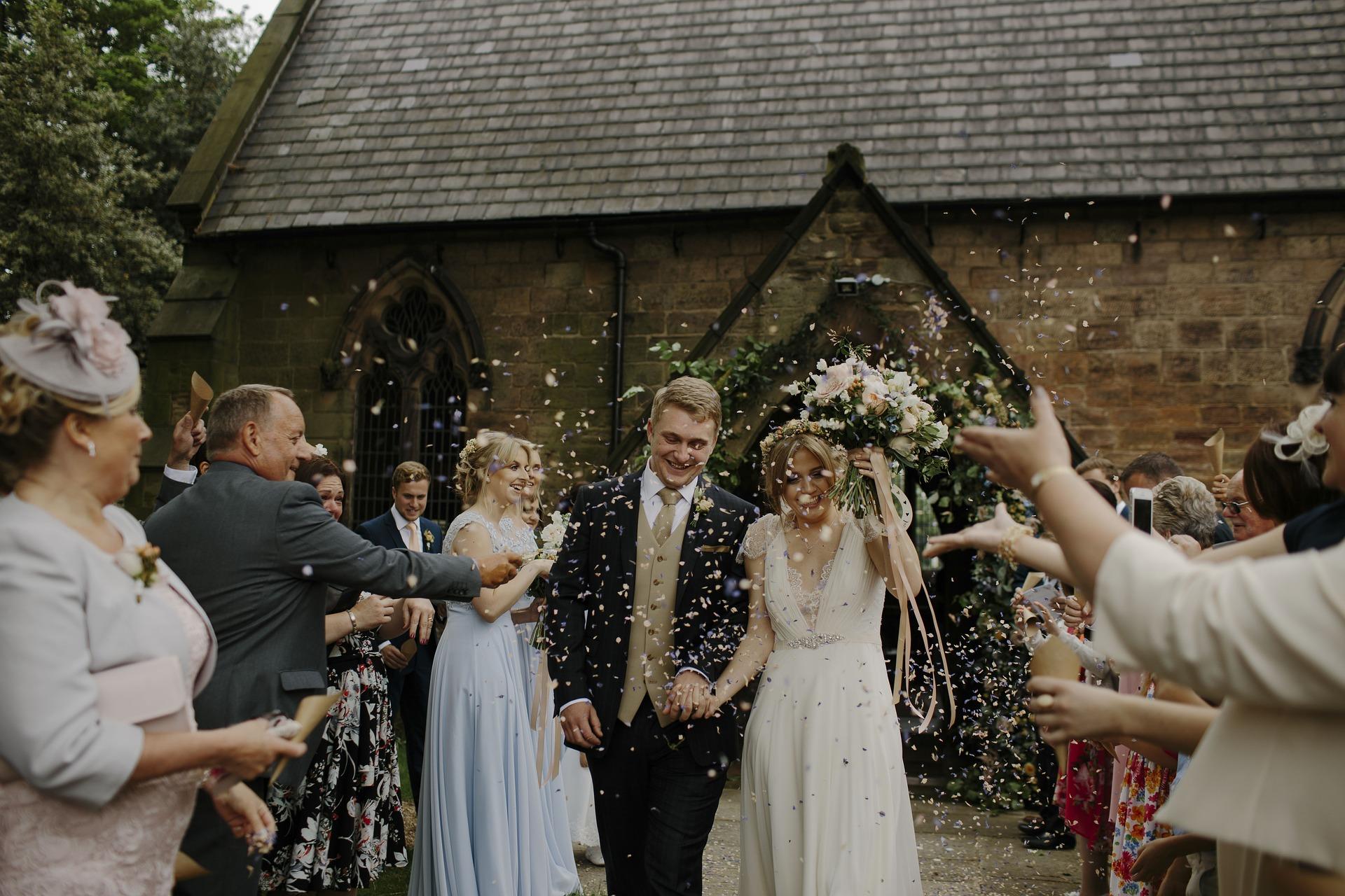 Comment bien gérer vos invités durant votre mariage? découvrez tous nos conseils.